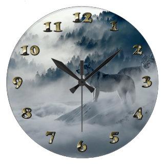 Grande Horloge Ronde Loups dans le paysage d'hiver de Milou