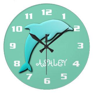 Grande Horloge Ronde Monogramme bleu de dauphin d'Aqua frais