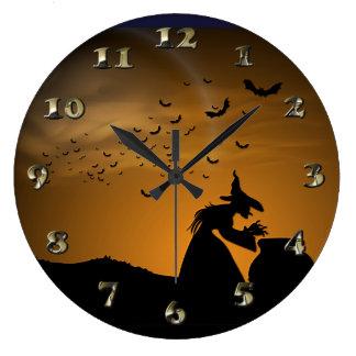 Grande Horloge Ronde Sorcière et chaudron de Halloween avec des battes