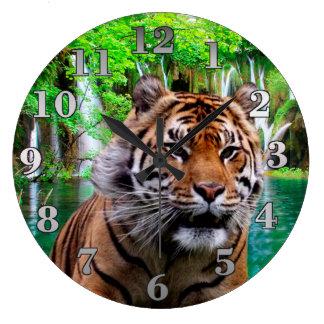 Grande Horloge Ronde Tigre et cascade