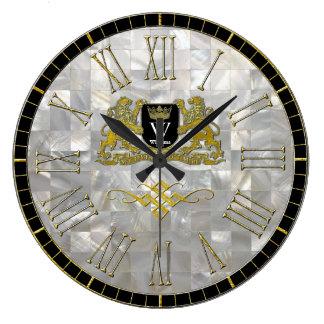 Grande Horloge Ronde Votre manteau de nacre de monogramme de bras