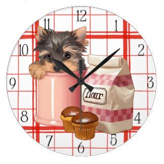 Grande Horloge Ronde Yorkie et petits gâteaux de chocolat