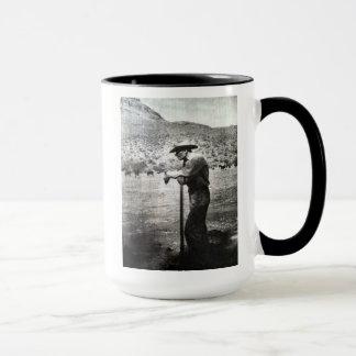 GRANDE tasse de TAILLE avec le logo et le robinet