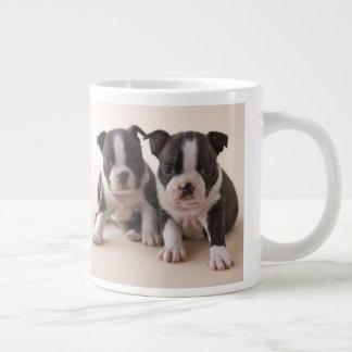 Grande Tasse Deux chiots de Boston Terrier