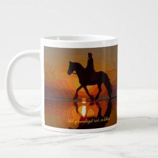 Grande Tasse Personnalisez le cadeau pour l'amant de cheval.