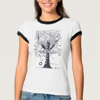 Grandissez le T-shirt de cabane dans un arbre