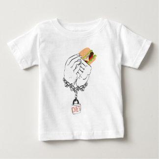 Grands hamburger et mains savoureux t-shirt pour bébé