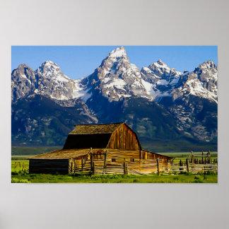 Grange et montagnes mormones de rangée posters