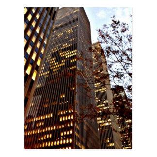 Gratte-ciel de New York au crépuscule Carte Postale