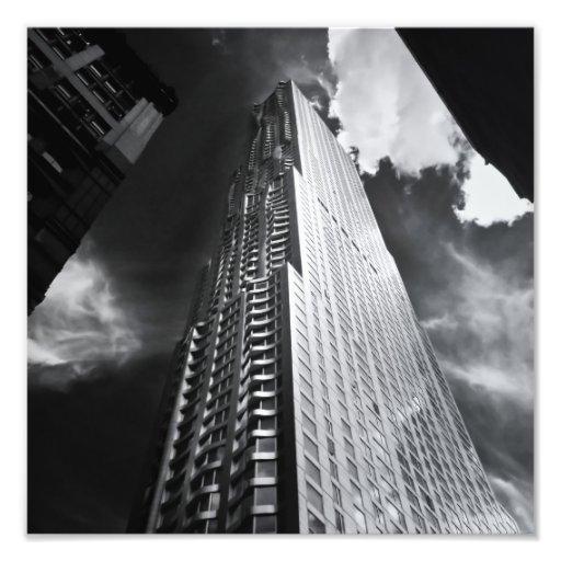 gratte ciel de new york city en noir et blanc photo d 39 art. Black Bedroom Furniture Sets. Home Design Ideas