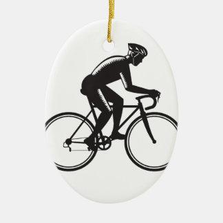 Gravure sur bois de emballage en cycliste de route ornement ovale en céramique
