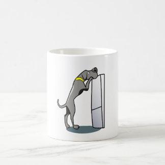 Great dane recherchant la nourriture mug
