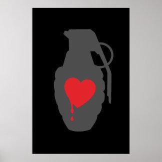 Grenade d'amour - l'amour est un champ de bataille poster