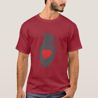 Grenade d'amour - l'amour est un champ de bataille t-shirt