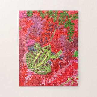 Grenouille dans le puzzle rouge de marais