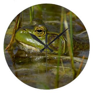 Grenouille dans l'horloge d'eau grande horloge ronde