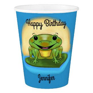 Grenouille de joyeux anniversaire sur les tasses gobelets en papier