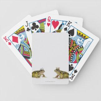 Grenouille de roi et de reine regardant l'un l'aut jeux de cartes