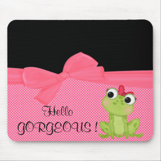 Grenouille mignonne adorable sur la polka tapis de souris