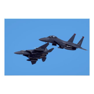 Grève Eagles de deux F-15E Posters