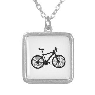 Griffonnage tiré par la main simple de bicyclette collier