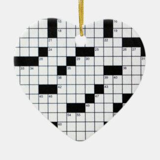 Grille classique de mots croisé ornement cœur en céramique