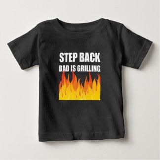 Griller arrière de papa d'étape t-shirt pour bébé