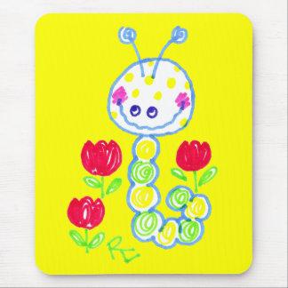 Grimacerie de l'arrière - plan jaune heureux de tapis de souris