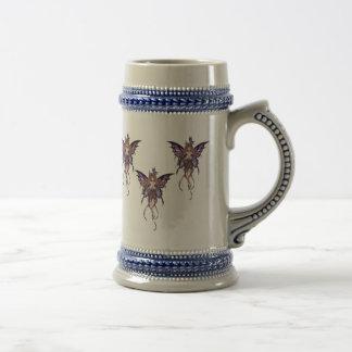 Gris avec le papillon bleu Stein de fées Chope À Bière