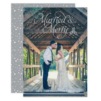 Gris marié et joyeux de la carte   de vacances de