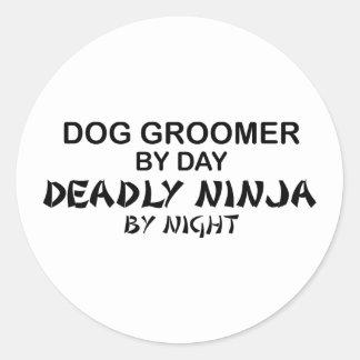 Groomer Ninja mortel de chien Autocollant Rond