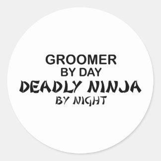 Groomer Ninja mortel par nuit Sticker Rond