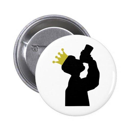 gros buveur avec l'icône de couronne badges avec agrafe