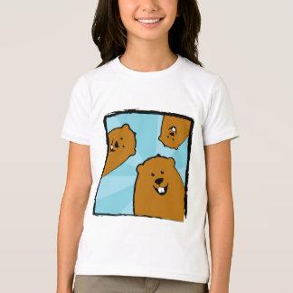 Groundhogs heureux avec le T-shirt de sourires
