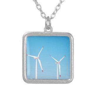 Groupe de turbines de vent collier