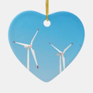 Groupe de turbines de vent ornement cœur en céramique