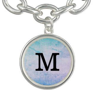 Grunge chic avec le monogramme bracelets avec breloques