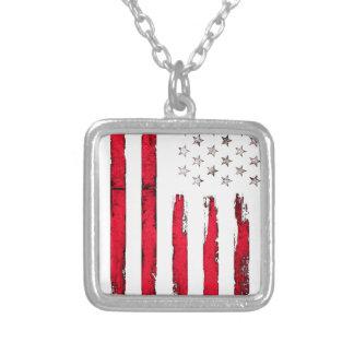 Grunge de rouge de drapeau américain collier