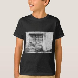 Guerre biologique oubliée par magasin abandonnée t-shirt