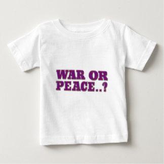 Guerre ou paix t-shirts