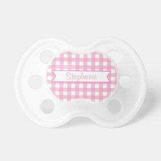 Guingan rose et blanc avec le nom fait sur command sucettes pour bébé