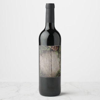 Guirlande de Noël avec l'arrière - plan en bois Étiquette Pour Bouteilles De Vin