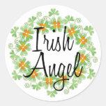Guirlande irlandaise de shamrock d'ange autocollants ronds
