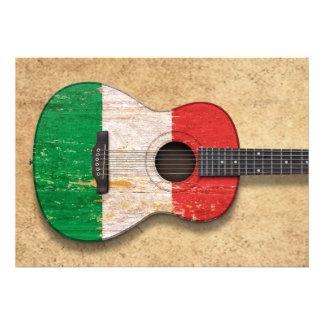 Guitare acoustique âgée et utilisée de drapeau ita invitation