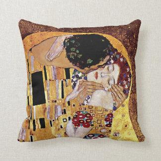 Gustav Klimt - le baiser - art vintage Nouveau Oreiller