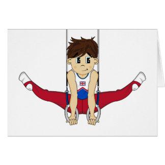 Gymnaste mignon sur la carte d'anneaux