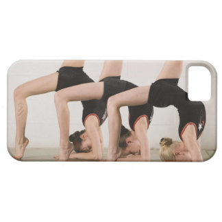 Gymnastes posant upside-down coque iPhone 5