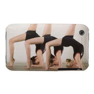 Gymnastes posant upside-down coques Case-Mate iPhone 3