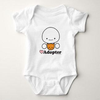 Habillement de bébé d'adopteur (chat) (plus de t-shirt