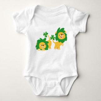 Habillement de bébé de lions de bande dessinée du t-shirts